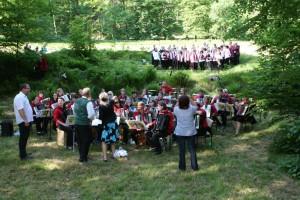 Akkordionorchester und Chöre gemeinsam auf der Bühne