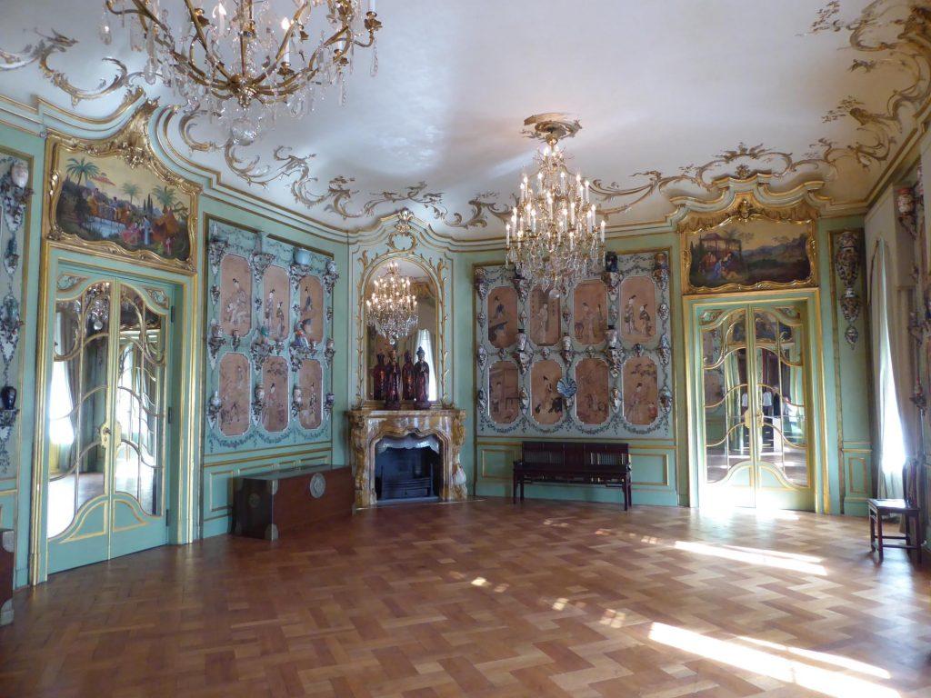 Den Rest des Schlosses haben wir auch besichtigt, darunter das chinesische Zimmer als besonderes Highlight.